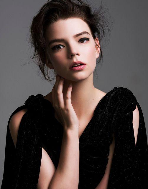 Аня Тейлор-Джой слитые фотки
