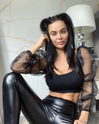 Эмма Гловер голая