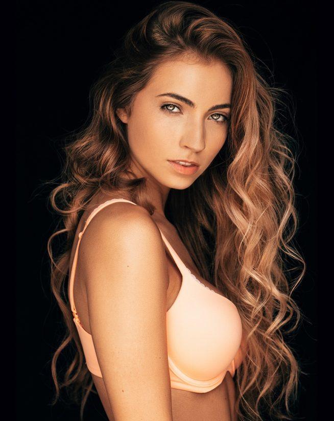 Anna Louise nude