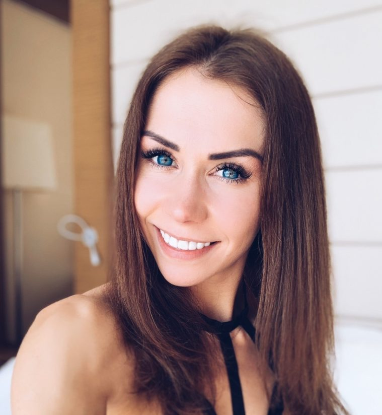 Mia Bandini голая