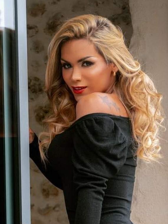 Carla Brasil c onlyfans
