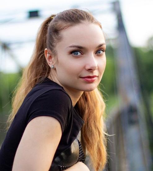 Xenia Crushova голая